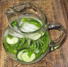 #HealthTips try infusing your H20 w/ cucumber & fresh mint to ensure you drink 8 glasses a day! http://t.co/GY6Nm3hnLo