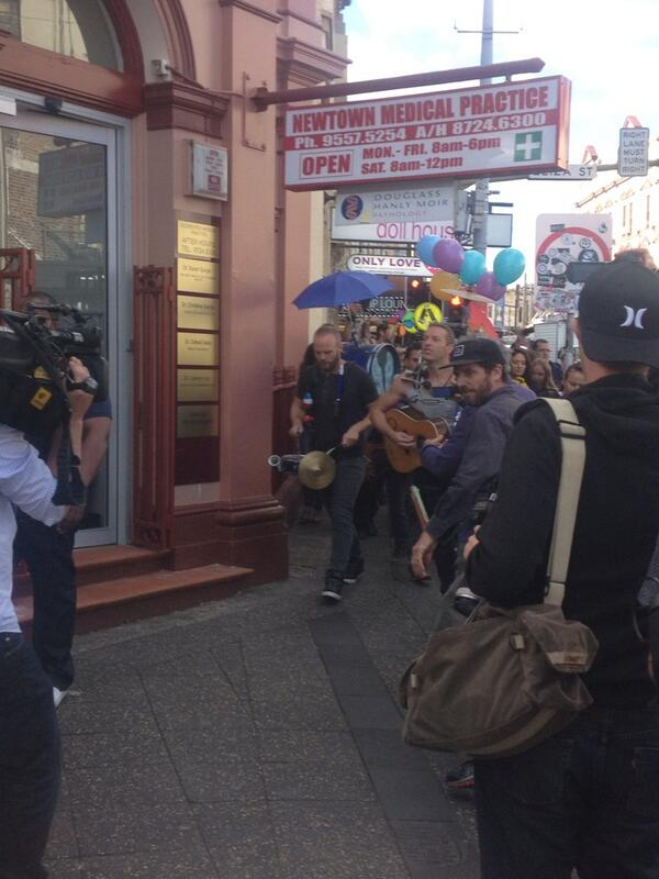 .@coldplay hitting King Street, Newtown with a mobile band setup #ASFOSvideo http://t.co/ffS7ZDMd88