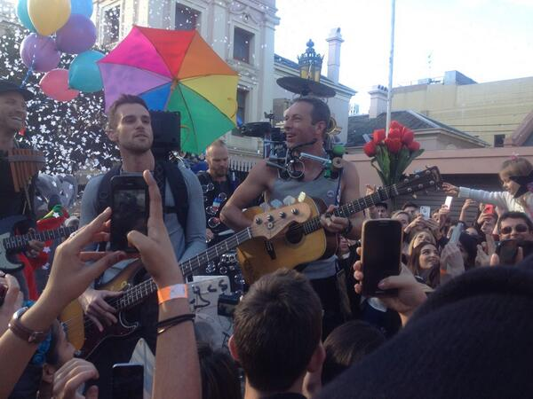 Well that was a fun story to cover! @coldplay performing for their film clip in Newtown #ASFOSvideo http://t.co/TRbB5qWccB