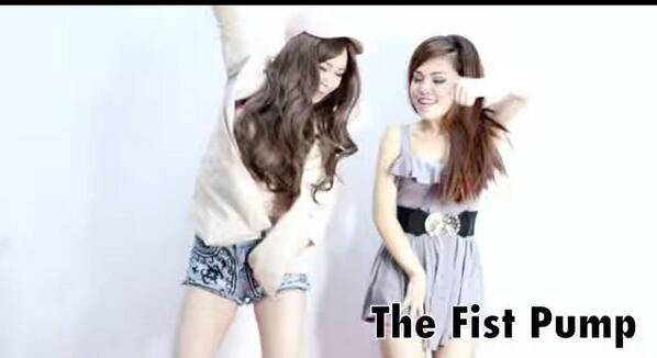 あるあるw RT @wldswd: 【動画】世界中で共感する人が続出。クラブによく居る女の子の踊り方をまとめた動画が面白い http://t.co/gFNrLz5xRq http://t.co/7PeidkrhlP