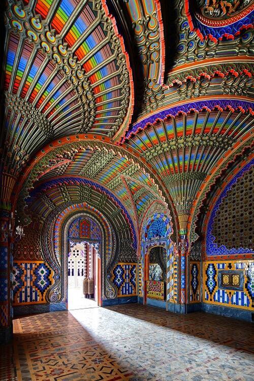 Castello di Sammezzano, Tuscany, Italy.   All the colors! http://t.co/4bN8kE8i4V