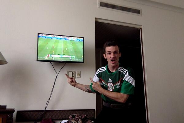 VAMOS MEXICO!!! CREO EN TRI!! http://t.co/ZudFIHzRQC