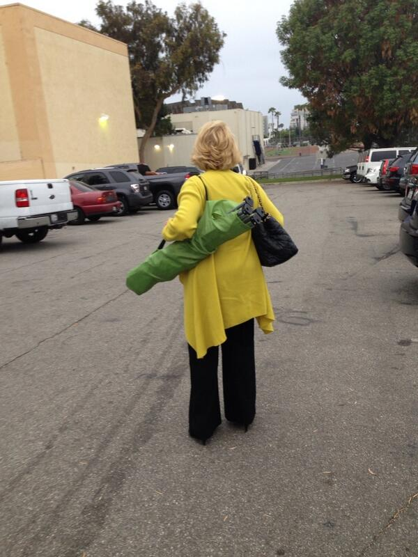 It's official. @Joan_Rivers has turned in to lacrosse (grand) mom! Carrying own chair! #hellfrozenover http://t.co/sgeH0KH5Dm