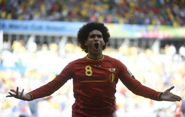 Eamon Dunphy labels Manchester Uniteds Marouane Fellaini (Belgium) as technically an embarassment [Video]