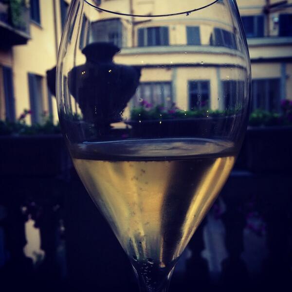 Cose belle #charliesway #champagne @philarmonicaspa @CAVOLIAMERENDA1 http://t.co/Fn9dUnbbCW