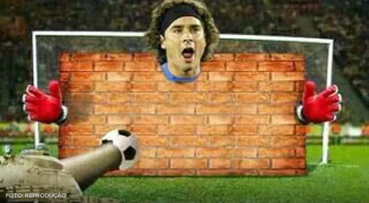 The internet is now awash with Guillermo Ochoa photoshops & joke pictures