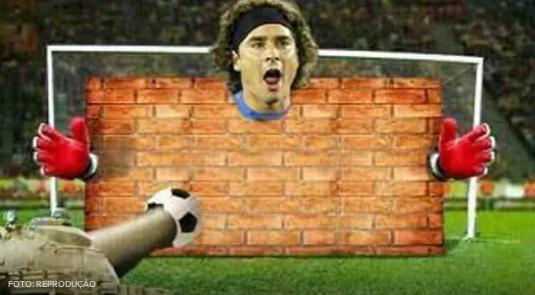 Internasional Piala Dunia  - Guillermo Ochoa, Mega Bintang Dunia Maya Hari Ini (Koleksi Meme)