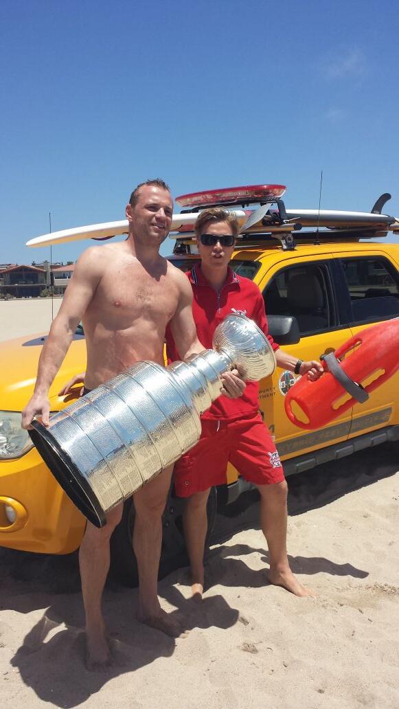 Gaborik at Hermosa beach @HockeyHallFame @KellyHockeyHall @LAKings #stanleycup http://t.co/G5Mjo5pNRI