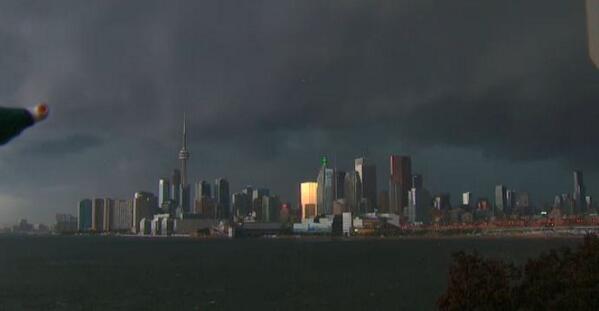 Downtown #Toronto looks a little ominous. http://t.co/KCg5DImTjh