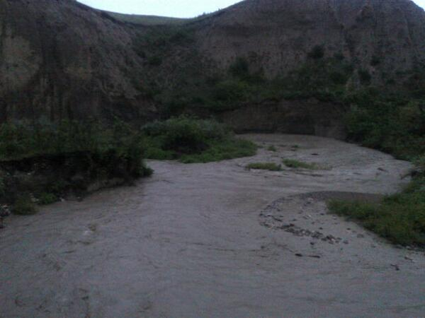 Creek by the homestead in #Piikani running fast she is http://t.co/NEAkfHxMdl