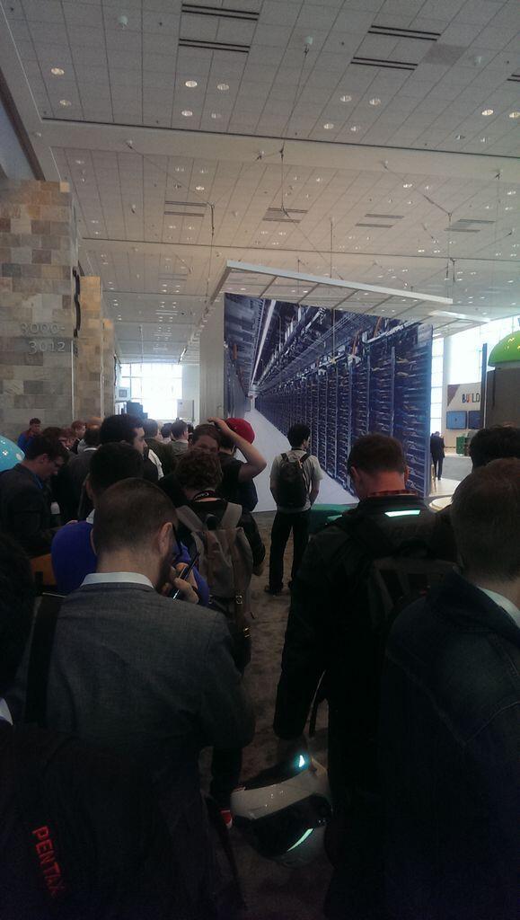 Waiting in #GoogleIO2014 press line. Anytime now... http://t.co/jPn5G1Qg7G