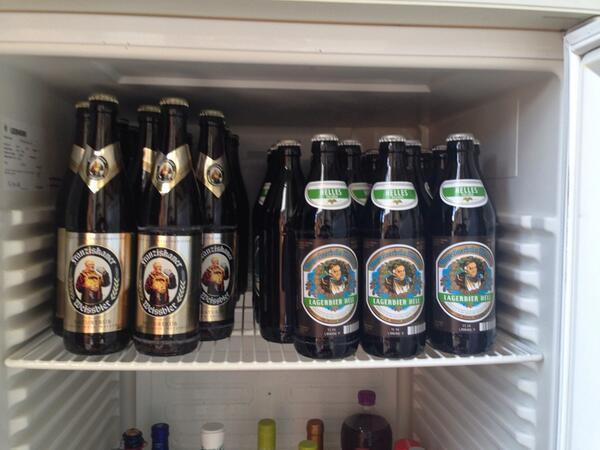 Kühlschrank Jägermeister : Cent party gewinn den coolen jägermeister kühlschrank at
