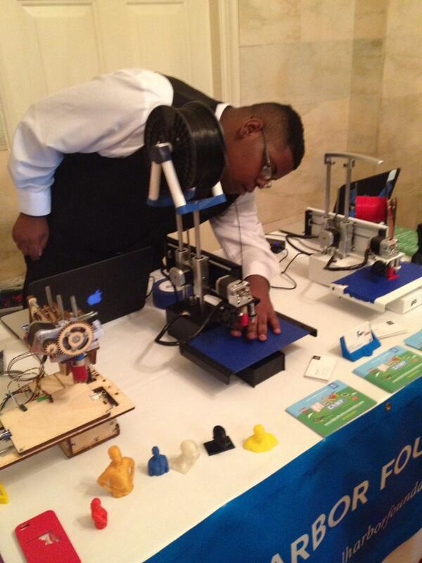 17 year old Darius tunes up his hand-built 3D printer. #NationOfMakers http://t.co/8jGyP5ZQP6