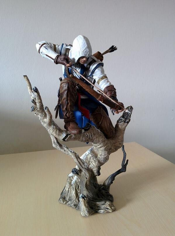 The figurine I won in @ubisoftnordic's 1000 followers comp. is here! It will join the ones from collector's editions. http://t.co/JnO8qNBqcp