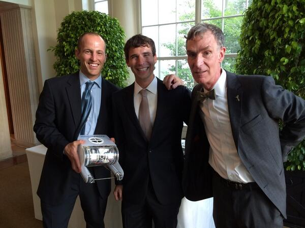 . @openrov goes to the White House and hey! Bill Nye! http://t.co/hMVpjHHo4U