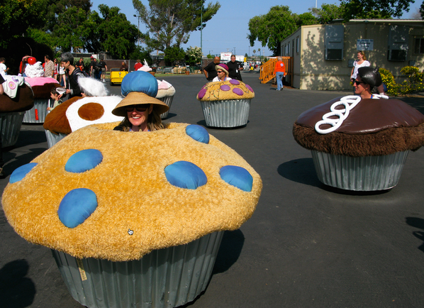 1st White House Maker Faire today. Hope Pres. Obama opts to ride a cupcake bicycle! #NationOfMakers http://t.co/JnBozvIoZy