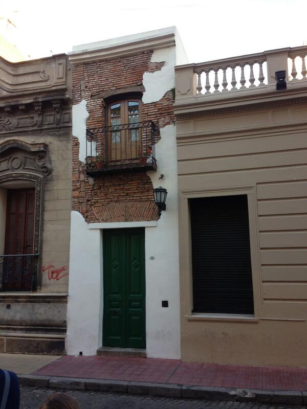 The smallest house in Buenos Aires, originally occupied by a freed slave http://t.co/XYV8eDrEx0