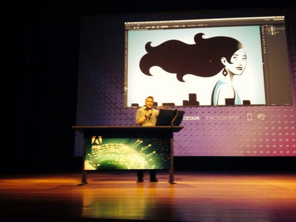 Paul Trani doing a one-handed demo! #ccnext http://t.co/3qik1h78bj