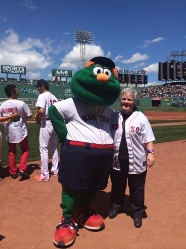 Emmanuel College President Sr. Janet Eisner, SND threw out the first pitch at #FenwayPark this afternoon! #GoSaints http://t.co/X4gArxyPwN