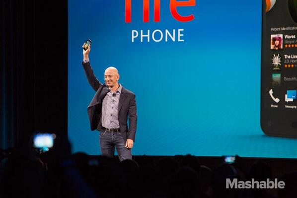 Amazon unveils #FirePhone! Quad core 2.2 GHz processor, 4.7 inches, Gorilla glass, 2GB RAM, 13 MP camera http://t.co/avLV9SLImS