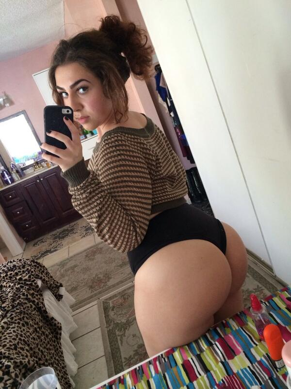 Thick Ass White Girl Solo