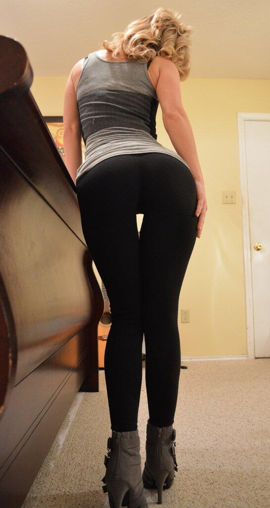 Girls In Yoga Pants  On Twitter -3683
