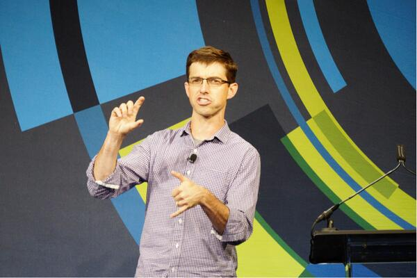 "Agree with @BCantrill: ""Computing history is oscillation between centralization and decentralization"" #gigaomlive http://t.co/zbCQCW0r3X"