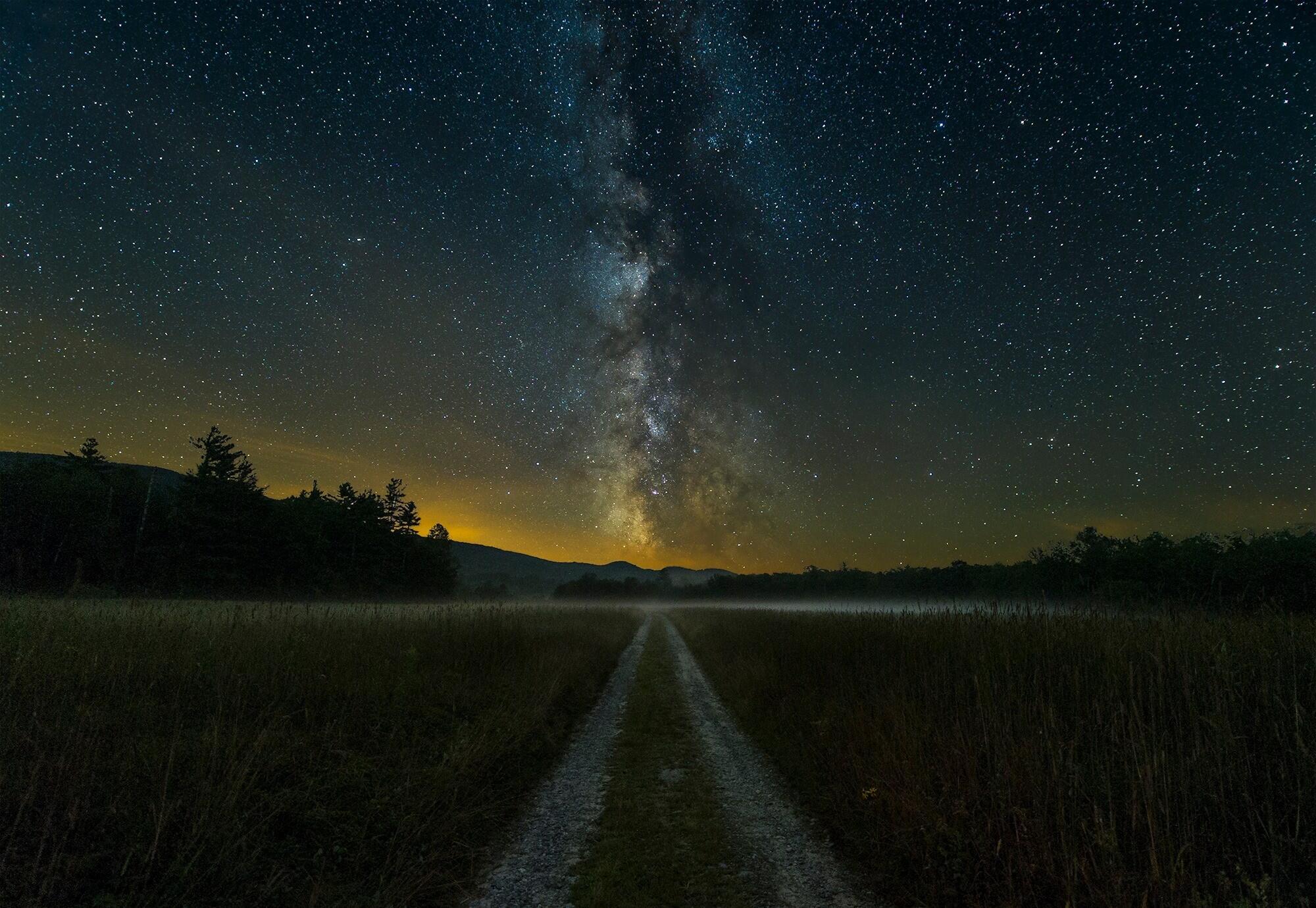 это картинки ночью в поле звезд благодать светлый праздник