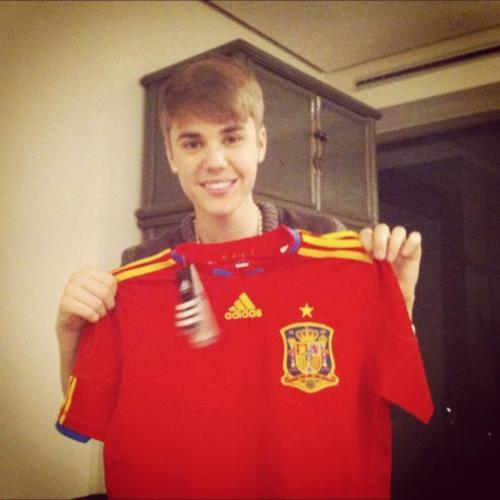 The real reason defending champion Spain was eliminated http://t.co/AIIYv9iRT6 http://t.co/JoCwAuPMQn