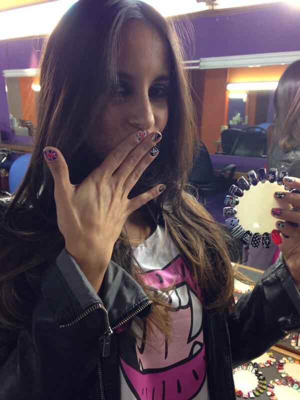 "Luli Gugli on Twitter: ""@lourdesanchezok rockeo sus uñas conmigo ..."