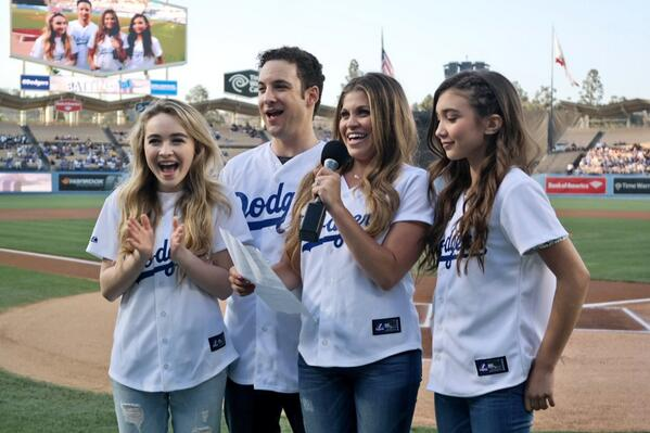 "31d80b55a32c4 "" Dodgers  Boy Meets World now Girl Meets Boy meets Dodger Stadium   pic.twitter.com YkODOmE8n3"" so excited for this to come on who s with me ..."