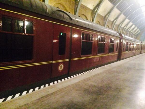 The Hogwarts Express. Also real. #diagonalleypreview http://t.co/FgF4N02gh9