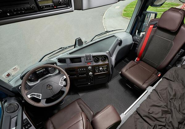 Renault trucks uk on twitter uk 39 s first renault trucks for Renault range t interieur