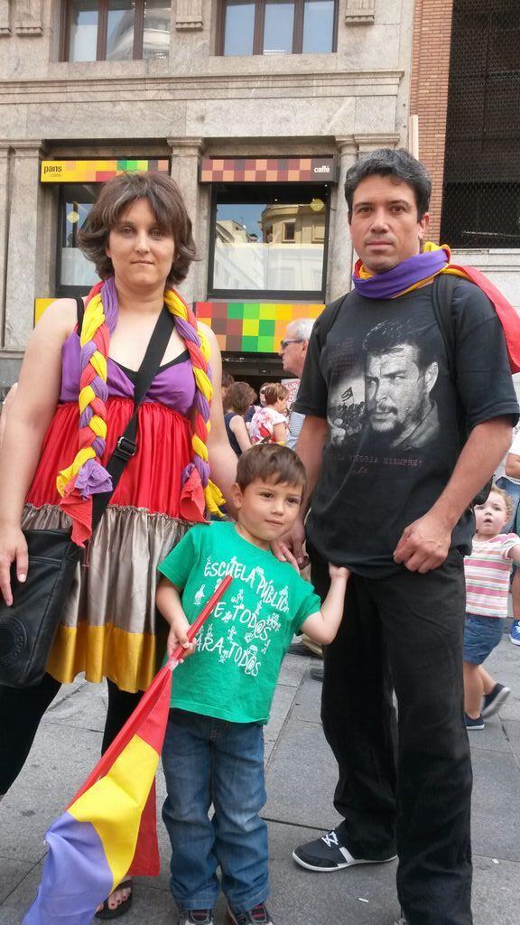 """#C20 Lucía: """"Nadie va a atropellar mi derecho a expresarme. ¿Qué país es este donde no puedo defender mis ideas?"""" http://t.co/R4GfvI7kxl"""