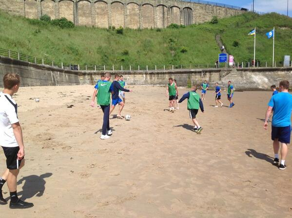 @TyneMetNESA who needs the copacobana beach football for training this morning #dontgetmegged!!! <br>http://pic.twitter.com/OfitlkfYtI
