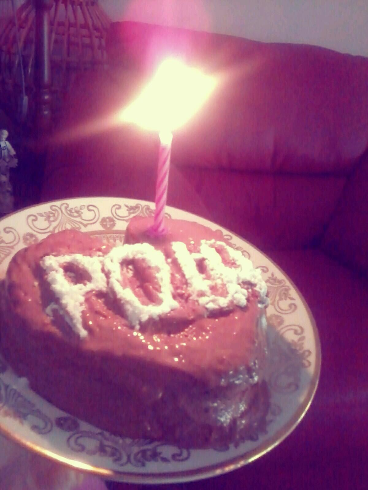 AWWW! xoP RT @teamabdulserbia: Happy Birthday! Here's your cake i made. (your name written on Serbian ;) @PaulaAbdul http://t.co/NC7vdkoqbh