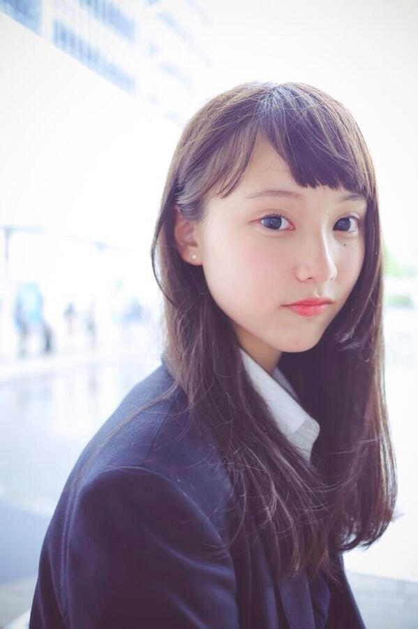 お人形のようなかわいさの山田愛奈