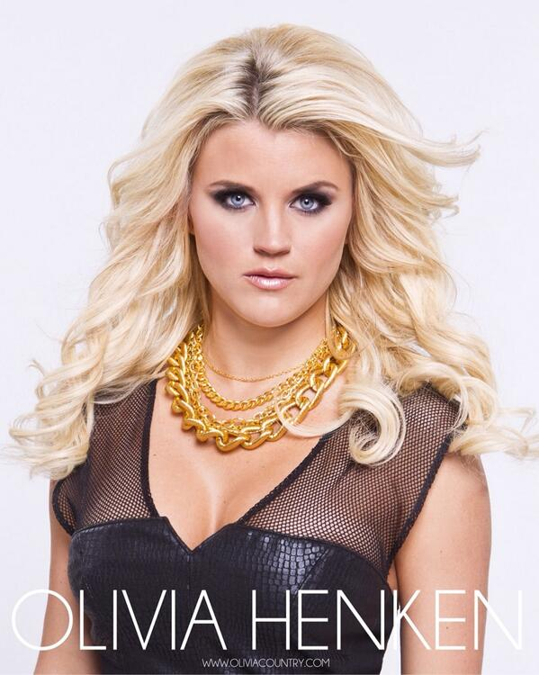 One of Olivia Henken's @oliviahenken headshots in our studio. More to come! @CatherineNJones #mua and #hairstyling http://t.co/lGxy02vjiC