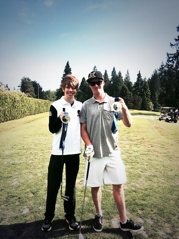 Good times at @AirCanada @BCWomensFdn #birdiesforbabies charity golf tournament! Here's me hanging w/ @KReynoldsHair http://t.co/p3iGURnq5Z