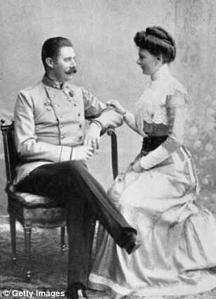 Wedding anniversary is on July 1! Don't forget! @ArchdukeFranzi #KU_WWI #WW1 #All4USophie http://t.co/mp7SpSbdhz