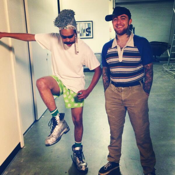 loiter squad welcomes a special guest on tonight's episode... http://t.co/CK0vLUG0bL