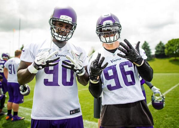 #906forlife @Brian_Robison 8yrs playing next to each other if ya wondering what that means luv ya g #skolgang #BGS http://t.co/xIWQ02cFmq