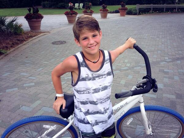 "MattyBRaps on Twitter: ""Having a great time with family on ..."