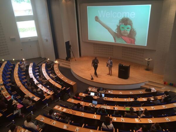 And now the day starts in Billund! Welcoming by @sejer and @holm_tina - God morgen! #idcdk http://t.co/nDLew64wpZ