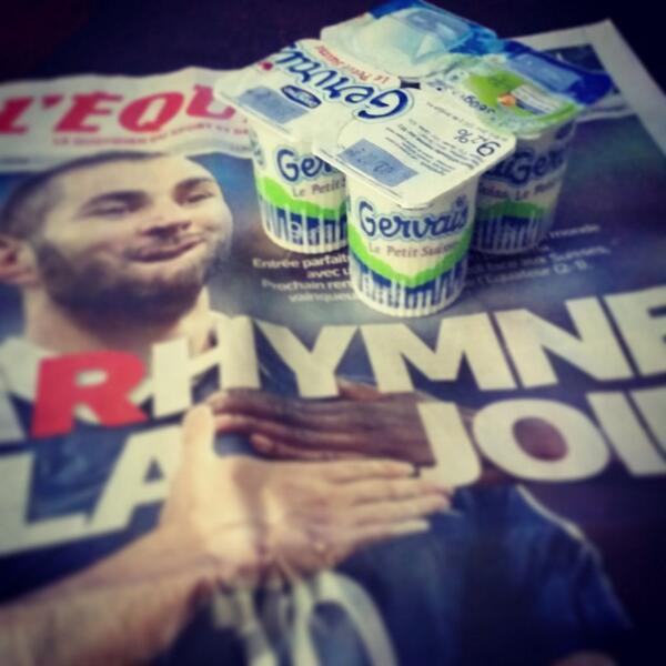 """BAH VOILÀ C'est Fait #RTSmondial """"@sosso: Les bleus vont manger du petit suisse... #RTSmondial #SUIFRA #Benzema http://t.co/MAycN9WZA8"""""""