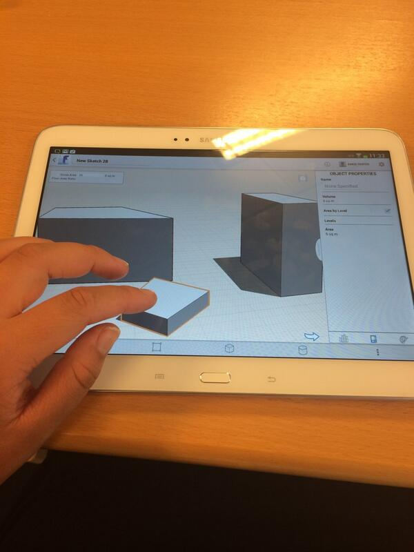 Playing with autodesk at #idcdk. Very interesting learning tool http://t.co/a3ZSqVaMzn