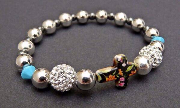 """Fancy a little giveaway to #Win this summery """"floral beauty"""" bracelet? Full Details 8pm tonight Rt http://t.co/JEUZZv5r6q"""