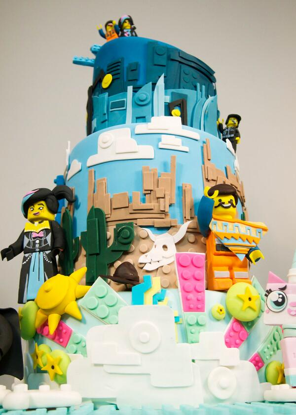 This LEGO movie cake is kinda blowing our minds. http://t.co/gyzK9r8fMo http://t.co/WkKz1XogkZ