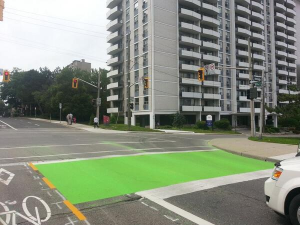 Green bike box on Hunter at Bay (Image Credit: Ryan McGreal)