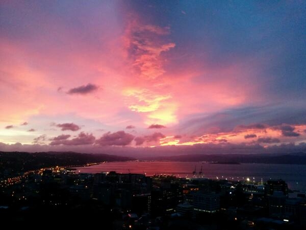 In case you slept in, here's the sunrise you missed in Wellington! Shortest day today, solstice tonight.^CN #nofilter http://t.co/iBCjVr4Z8Y